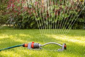 Lawn sprinkler using water